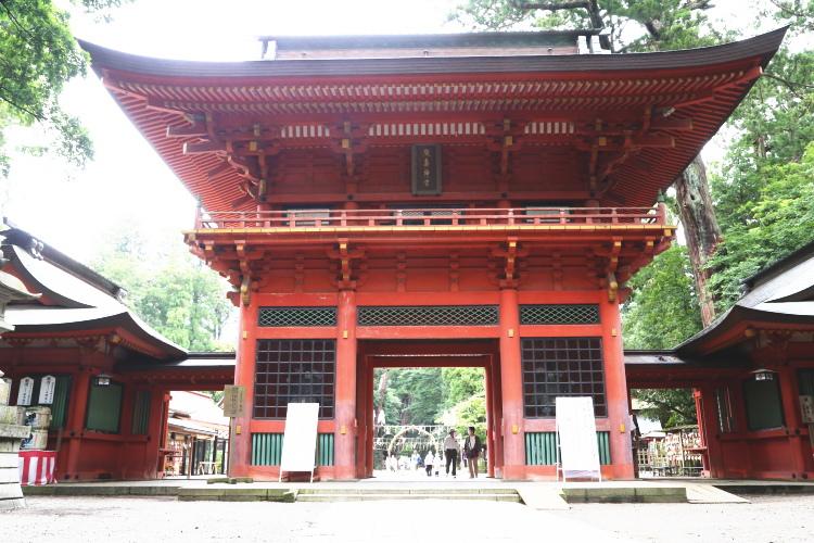 鹿島神宮の正面から見た楼門
