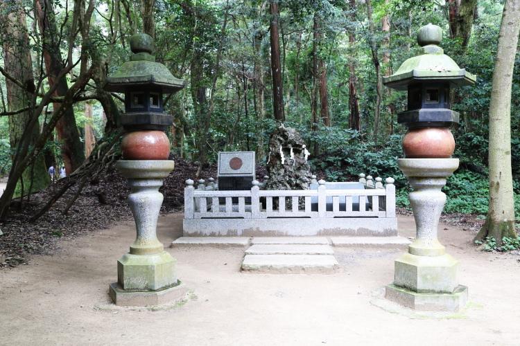 鹿島神宮にあるさざれ石