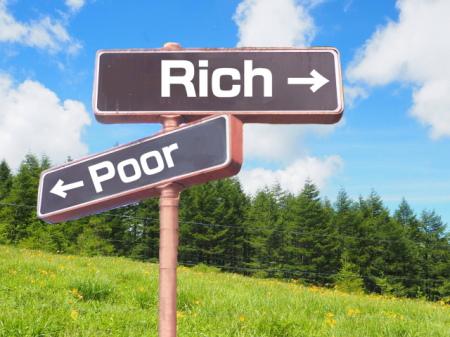 金持ちと貧困の分かれ道