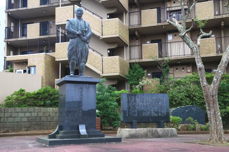 塚原卜伝の銅像