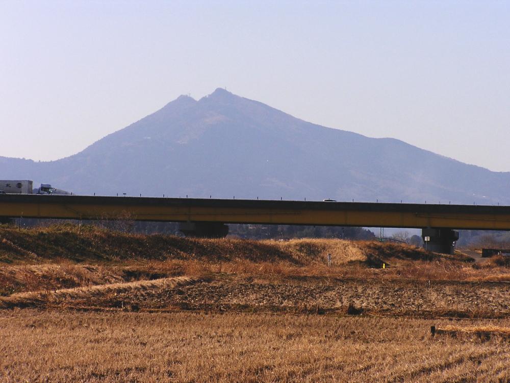 筑波山と高速道路