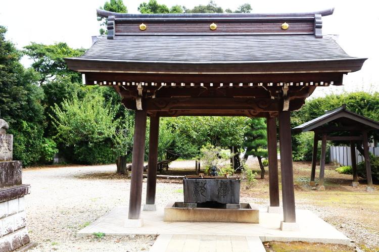 女化神社の手水舎