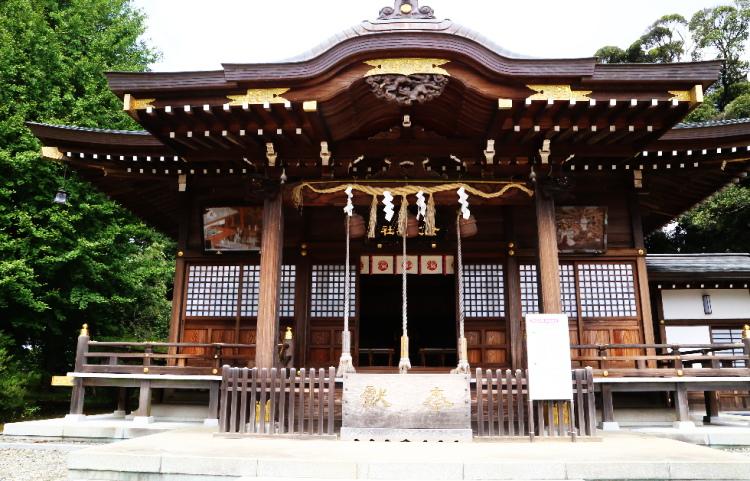 女化神社の拝殿