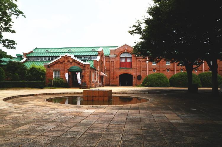 牛久シャトー広場と神谷傳兵衛記念館