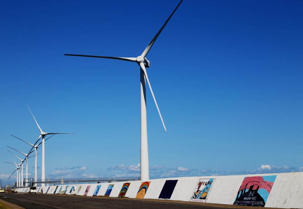 1000人画廊と風量発電