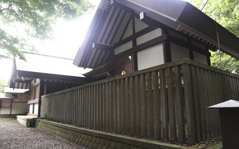 裏側から見た常盤神社の本殿
