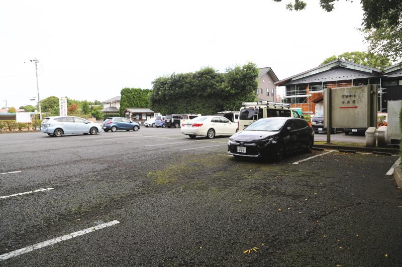 常盤神社の駐車場