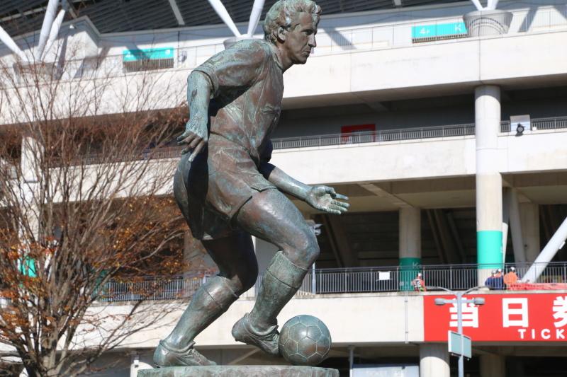カシマスポーツセンターにあるジーコ像