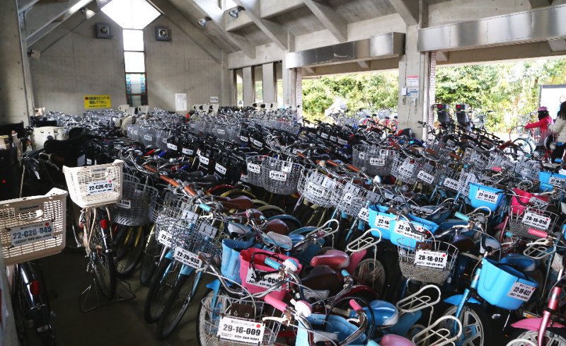 たくさんのレンタル自転車