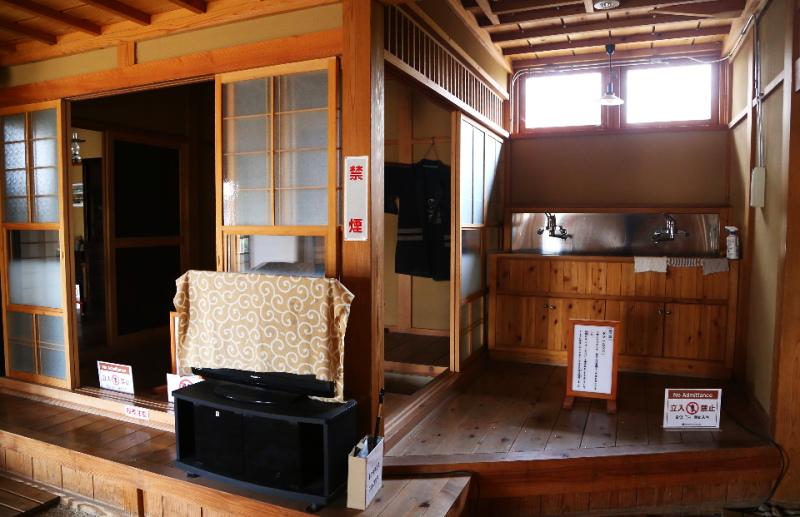里の家の台所