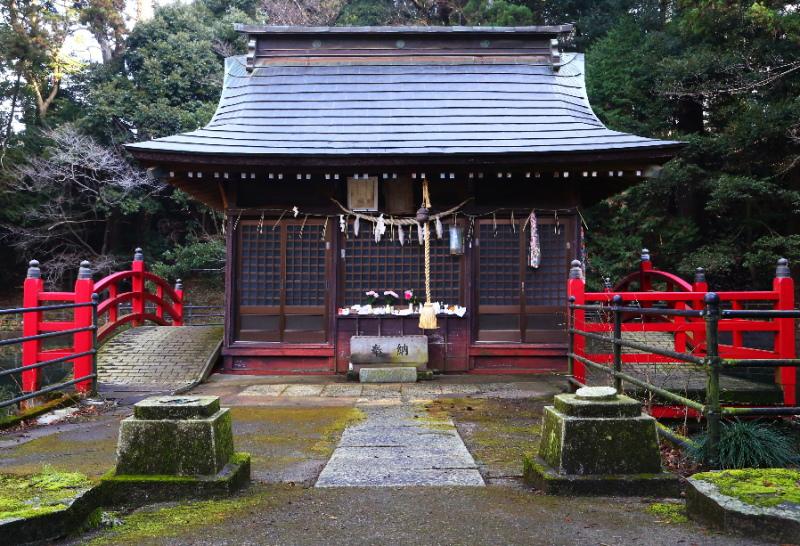 鉾田市の厳島神社の社殿